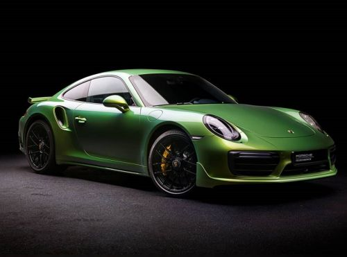 R1.3 Million Porsche PTS Python Green Chromaflair Paint Requires Government Approval