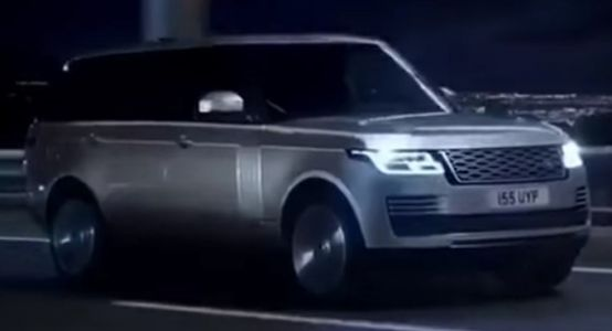 2018 Range Rover Facelift Gets An Early Outing