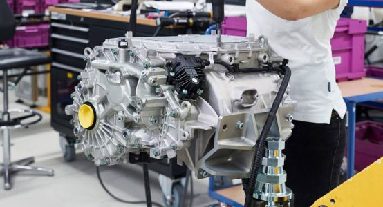 BMW's Fifth-Generation Electric Powertrain Will Use Scalable Components, Deliver 435 Mile Range