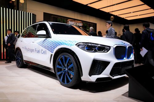 369 HP Hydrogen-Powered BMW X5 Confirmed for 2022