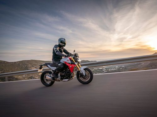 Best Standard Motorcycles To Commute On Photo Gallery